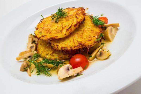 Картофельные драники с шампиньонами